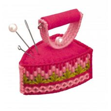 Набор для вышивания Игольница. Утюжок, 5,5x3,5x5, Риолис Сотвори сама