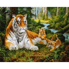 Живопись по номерам Тигрица с тигрятами на прогулке, 40x50, Paintboy, GX8479