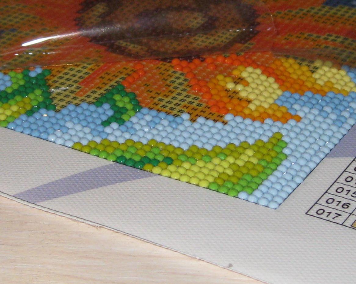 Мозаичная вышивка стразами 12