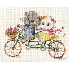 Набор для вышивания крестом Басик и Ли-Ли. Счастливый день, 13x13, Алиса