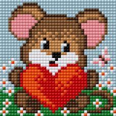 Алмазная мозаика на магнитной основе Медвежонок с сердцем, 10x10, полная выкладка, Вышиваем бисером