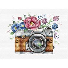 Набор для вышивания крестом по водорастворимой канве Цветочный кадр, 9x12, Жар-Птица (МП-Студия)