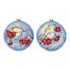 Набор для вышивания крестом на пластиковой основе Морозная рябина, 9x9, Жар-Птица (МП-Студия)